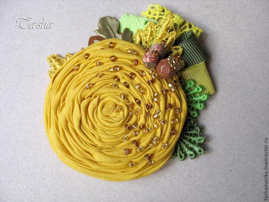 Купить брошь ручной работы. Ярмарка мастеров. Магазин Ta-shamanka:бохо броши колье бусы. Брошь желтая горчичная. Бохо украшение. Брошь цветок.