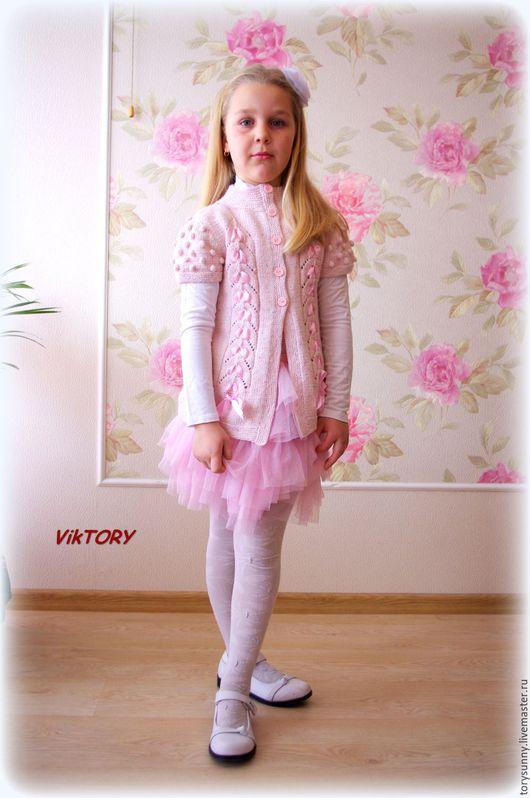 """Одежда для девочек, ручной работы. Ярмарка Мастеров - ручная работа. Купить Жилет """"Fiocchi"""".. Handmade. Бледно-розовый, жилет для девочки"""