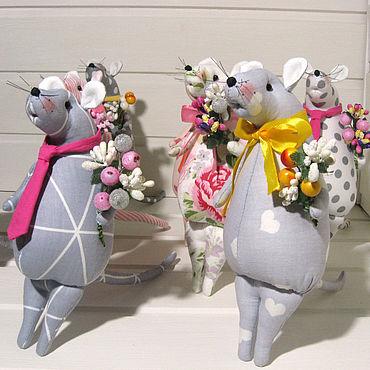Куклы и игрушки ручной работы. Ярмарка Мастеров - ручная работа Новогодние мышки символ нового 2020 года. Handmade.