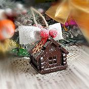 """Подарки к праздникам ручной работы. Ярмарка Мастеров - ручная работа Игрушка на ёлку """"Домик подвеска"""". Handmade."""
