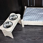 Для домашних животных, ручной работы. Ярмарка Мастеров - ручная работа Лежанка с подставкой под миски. Handmade.