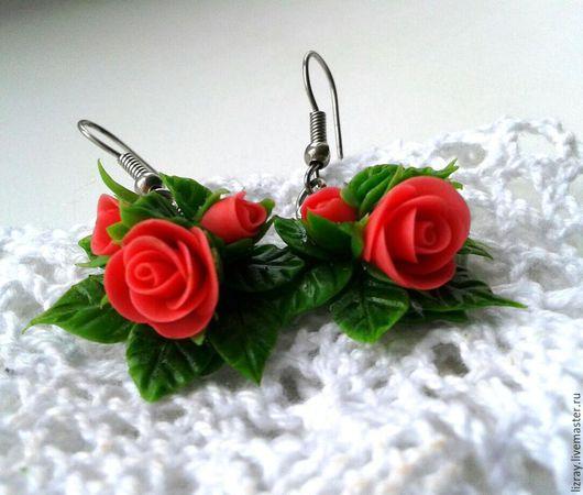 Серьги ручной работы с розами из полимерной глины