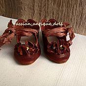 Куклы и игрушки ручной работы. Ярмарка Мастеров - ручная работа Туфли для антик.куклы 8,5 см коричневая глина. Handmade.