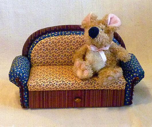 """Кукольный дом ручной работы. Ярмарка Мастеров - ручная работа. Купить Игрушечный диван """"Алиса"""" с выдвижным ящичком. Handmade. Коричневый"""