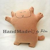 """Для дома и интерьера ручной работы. Ярмарка Мастеров - ручная работа подушка """"счастливый котэ"""". Handmade."""