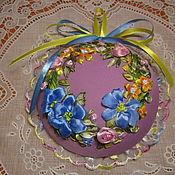 Подарки к праздникам ручной работы. Ярмарка Мастеров - ручная работа Игольница, вышитая лентами. Handmade.