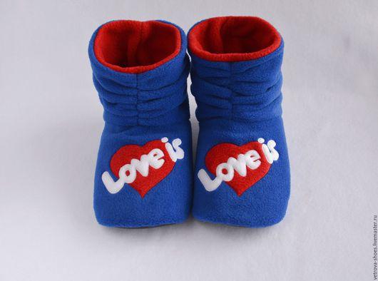 """Обувь ручной работы. Ярмарка Мастеров - ручная работа. Купить Домашние сапожки """"Love is..."""". Handmade. Тёмно-синий"""
