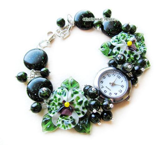 """Часы ручной работы. Ярмарка Мастеров - ручная работа. Купить """"Царевна-лягушка"""" наручные часы с бусинами лэмпворк. Handmade."""