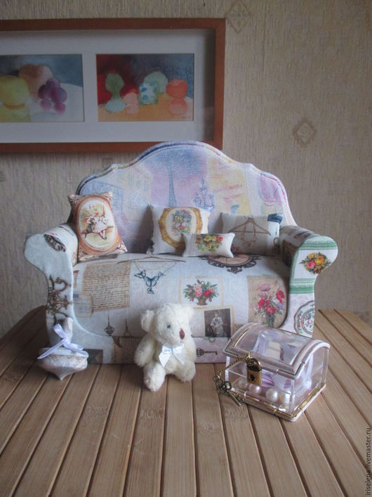 """Кукольный дом ручной работы. Ярмарка Мастеров - ручная работа. Купить Диван с аксессуарами """"В воспоминаниях мечтаю..""""Для кукол от 15 до 25см. Handmade."""