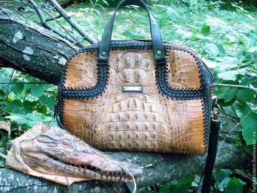 мужская сумка ручной работы из крокодиловой кожи.дополнительно использовалась бычья кожа.Отделка-плетение кожанным шнуром
