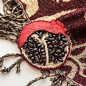 Украшения ручной работы. Ярмарка Мастеров - ручная работа Брошь гранат вышивка натуральные камни. Handmade.