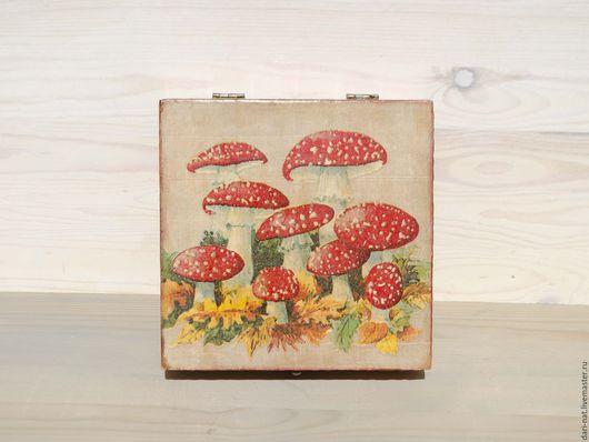 Большая шкатулка для кухни. Может использоваться для хранения продуктов - внутри чистое деревянное безопасное покрытие.