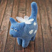 Куклы и игрушки ручной работы. Ярмарка Мастеров - ручная работа Небесная кошка (сувенирная игрушка из шерсти). Handmade.