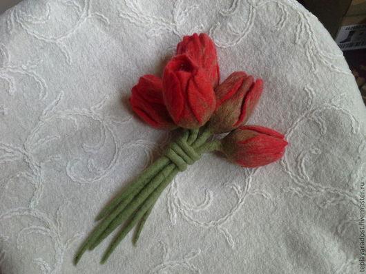 """Броши ручной работы. Ярмарка Мастеров - ручная работа. Купить Брошь """"Тюльпаны"""". Handmade. Ярко-красный, шерсть"""