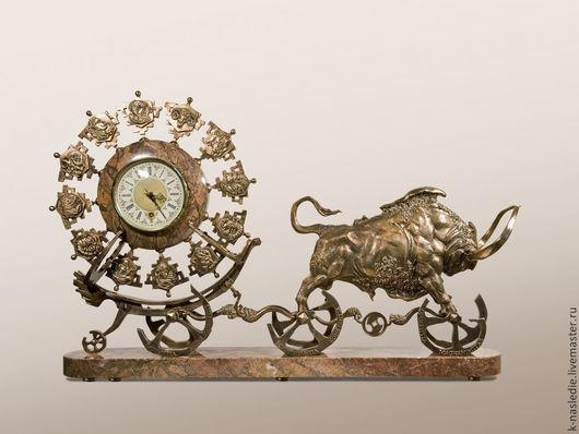 Часы для дома ручной работы. Ярмарка Мастеров - ручная работа. Купить Часы Золотой телец (каминные часы из бронзы). Handmade.