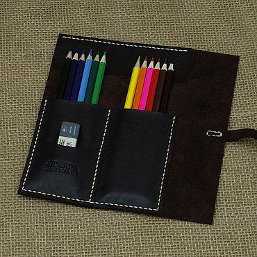 Канцелярские товары ручной работы. Ярмарка Мастеров - ручная работа Кожаный пенал для карандашей и ручек тёмно-коричневый. Handmade.