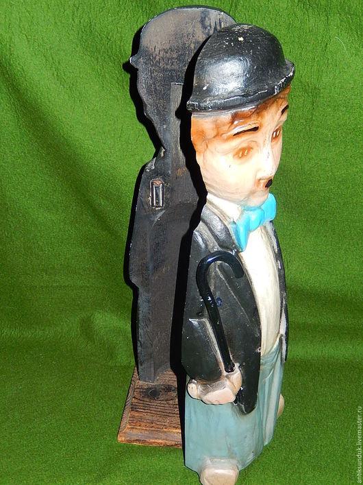 Винтажные предметы интерьера. Ярмарка Мастеров - ручная работа. Купить Раритет.  Старинная подставка для бутылок бутылочница Чарли Чаплин. Handmade.
