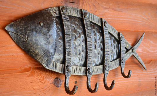 """Подарочные наборы ручной работы. Ярмарка Мастеров - ручная работа. Купить Кованая вешалка в форме рыбы """"Важная персона"""". Handmade."""