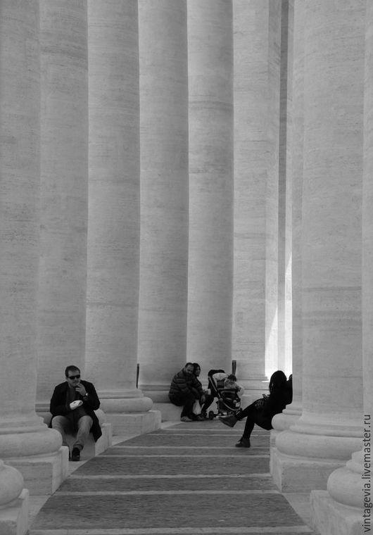 Vintage Via. Фоторабота `Колоннада Собора Святого Петра`, авторская фотография, Рим, 2014 г.