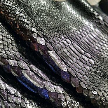 Материалы для творчества ручной работы. Ярмарка Мастеров - ручная работа Кожа питона черная с фиолетовым градиентом. Handmade.