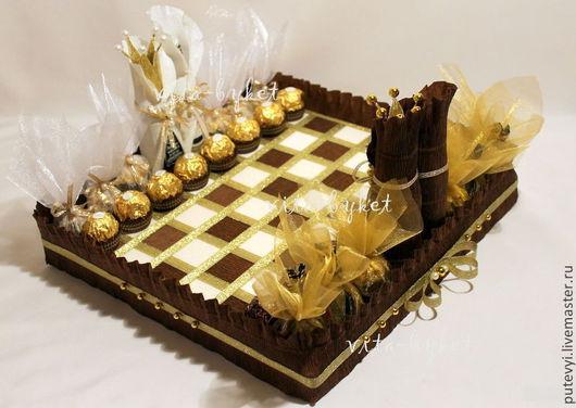 Персональные подарки ручной работы. Ярмарка Мастеров - ручная работа. Купить Подарок мужчине Шахматная доска из конфет. Handmade. Коричневый