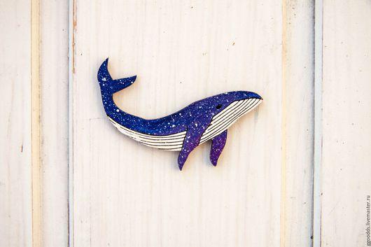 Броши ручной работы. Ярмарка Мастеров - ручная работа. Купить Космический  кит. Handmade. Тёмно-синий, киты, касатка, значок