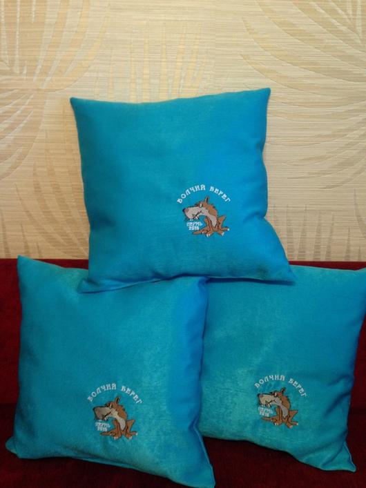 Подушка с этим логотипом 400 р.