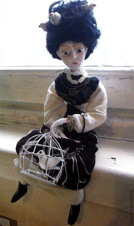 Коллекционные куклы ручной работы. Ярмарка Мастеров - ручная работа. Купить Птичница.. Handmade. Коричневый, птицы, клетка, сказка, мечтательность