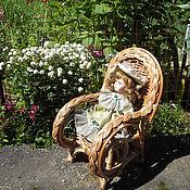 """Куклы и игрушки ручной работы. Ярмарка Мастеров - ручная работа """"Отдыхаем"""" Кресло плетеное для большой куколки. Handmade."""