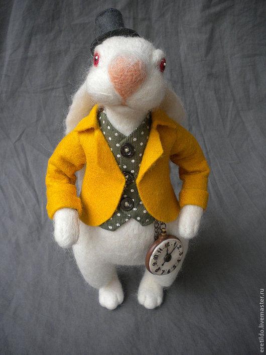"""Коллекционные куклы ручной работы. Ярмарка Мастеров - ручная работа. Купить Белый кролик из """"Алиса в стране Чудес"""". Handmade. Белый"""