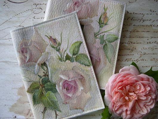 Обложки ручной работы. Ярмарка Мастеров - ручная работа. Купить обложкак для паспорта и визитница из кожи Нежные розы на белом. Handmade.