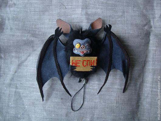 """Автомобильные ручной работы. Ярмарка Мастеров - ручная работа. Купить Подвеска """"Летучая мышь"""". Handmade. Черный, сувенир, авторская работа"""