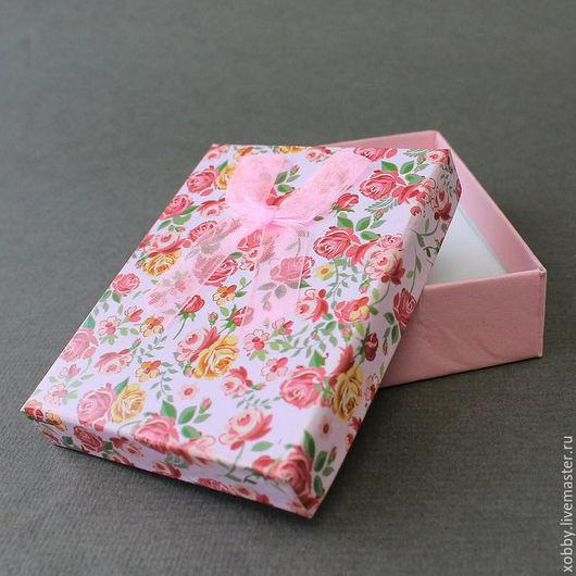 Коробка подарочная для украшений розы розовая Коробочки подарочные из картона с бантом из  ленты органзы и мягким поролоновым вкладышем подушечкой для упаковки украшений - колье, браслетов, бус.