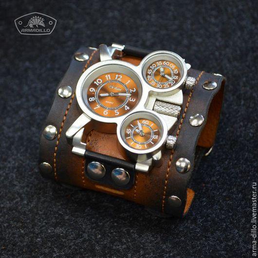 Часы с широким браслетом. Armadillo