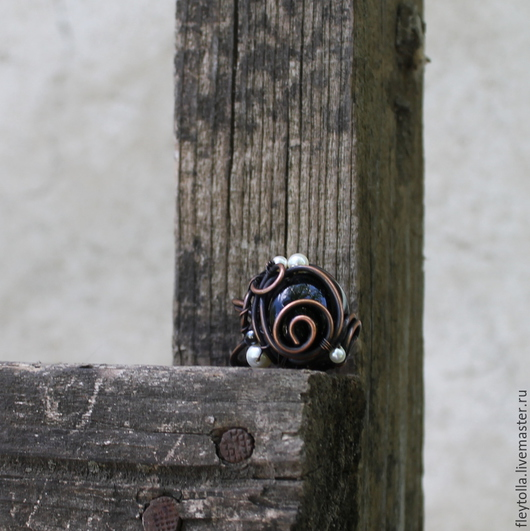 """Кольца ручной работы. Ярмарка Мастеров - ручная работа. Купить Кольцо """"Лепесток"""". Handmade. Чёрно-белый, кольцо в подарок, завиток"""