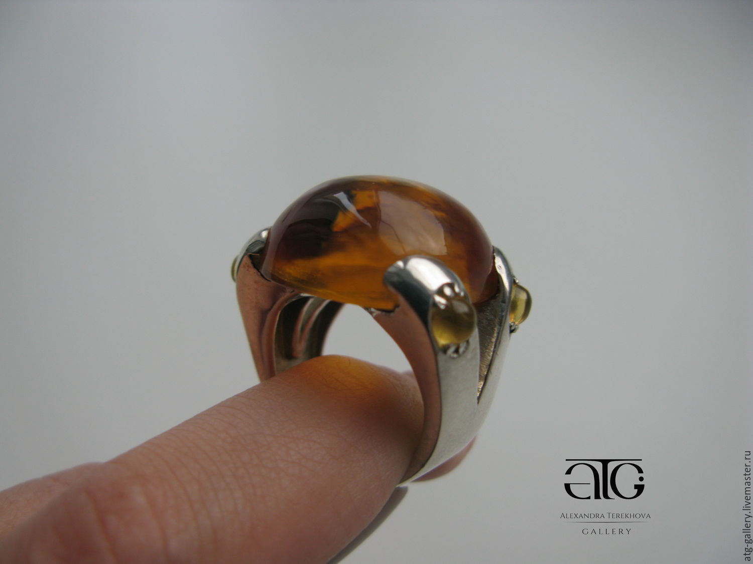Gorgeous ring with natural cabochon citrines!