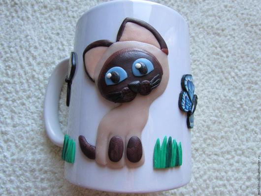 Кружки, которые Вы видите в моем магазине, не просто подарочные сувениры. Они надежны и функциональны, не боятся кипятка. Заваривайте, пожалуйста, в них чай или кофе и приглашайте друзей!