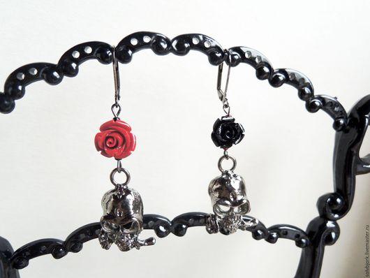 Серьги ручной работы. Ярмарка Мастеров - ручная работа. Купить Серьги «Эмблема печали, эмблема любви» разные. Handmade. розы