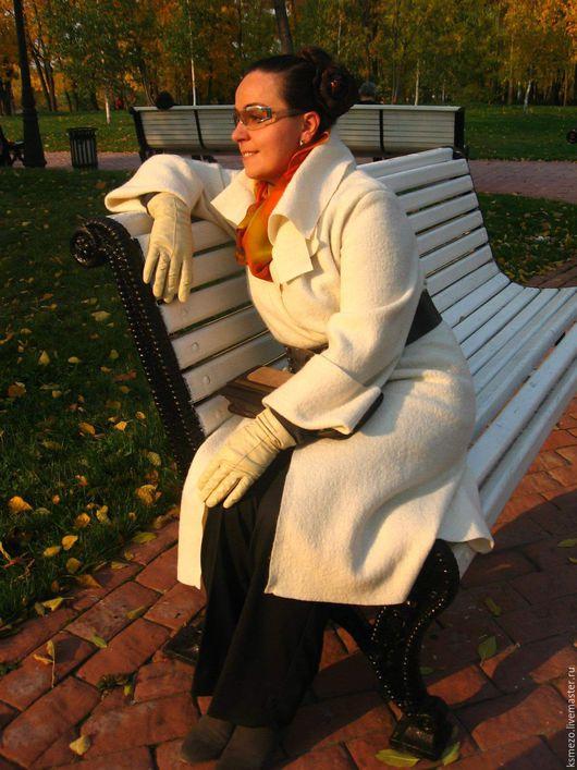 """Верхняя одежда ручной работы. Ярмарка Мастеров - ручная работа. Купить Скидка 30% Пальто молочно-белое """"Лоден"""". Handmade."""