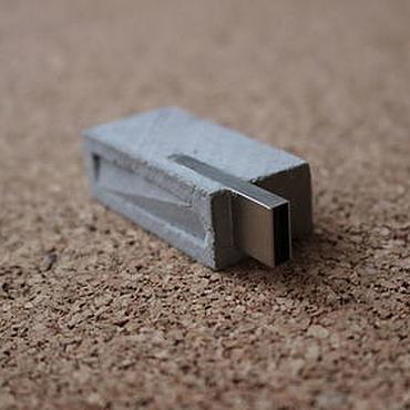 Сувениры и подарки ручной работы. Ярмарка Мастеров - ручная работа Флешка из бетона. Handmade.