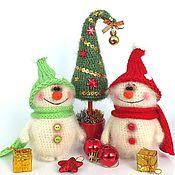 Подарки к праздникам ручной работы. Ярмарка Мастеров - ручная работа Снеговик (Новый год, подарок, вязаная игрушка). Handmade.