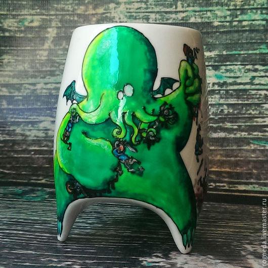 """Кружки и чашки ручной работы. Ярмарка Мастеров - ручная работа. Купить """"Ктулху"""" чашка с ножками (0758). Handmade. Зеленый"""