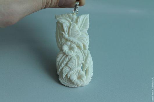 Для украшений ручной работы. Ярмарка Мастеров - ручная работа. Купить Резной кулон из кости. Handmade. Белый, кость кулон