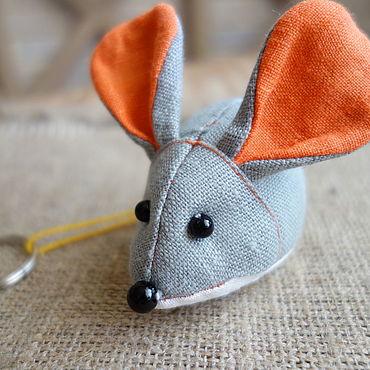 Сувениры и подарки ручной работы. Ярмарка Мастеров - ручная работа Мышка брелок, магнит. Handmade.