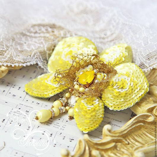 Броши ручной работы. Ярмарка Мастеров - ручная работа. Купить Брошь Endless Blooming, желтая орхидея. Handmade. Желтый