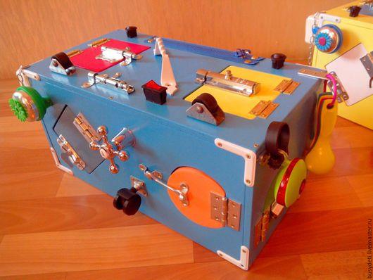 Развивающие игрушки ручной работы. Ярмарка Мастеров - ручная работа. Купить Синий бизибокс (бизиборд). Handmade. Желтый, бизиборд москва