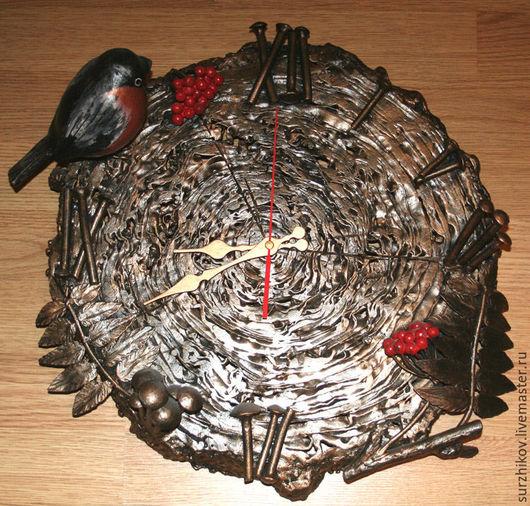"""Часы для дома ручной работы. Ярмарка Мастеров - ручная работа. Купить Кованые часы  """" Снегирь """". Handmade. Часы"""