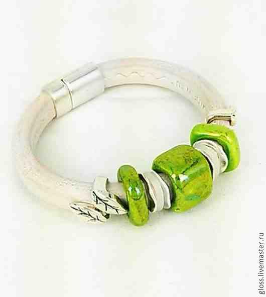 Браслеты ручной работы. Ярмарка Мастеров - ручная работа. Купить Кожаный браслет Зеленый луг. Handmade. Браслет regaliz, подарок