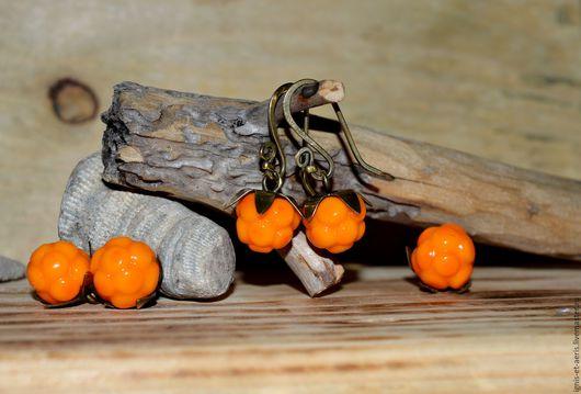 Серьги ручной работы. Ярмарка Мастеров - ручная работа. Купить Серьги с ягодами морошки. Handmade. Оранжевый, латунь, латунная фурнитура
