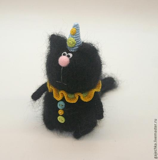 Игрушки животные, ручной работы. Ярмарка Мастеров - ручная работа. Купить Вязаный кот ПРАЗДНИЧНЫЙ. Handmade. Черный, котик, игрушка